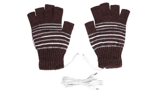 PC作業中などデスクワークが寒い!手足指先が冷えた時に役立つガジェット